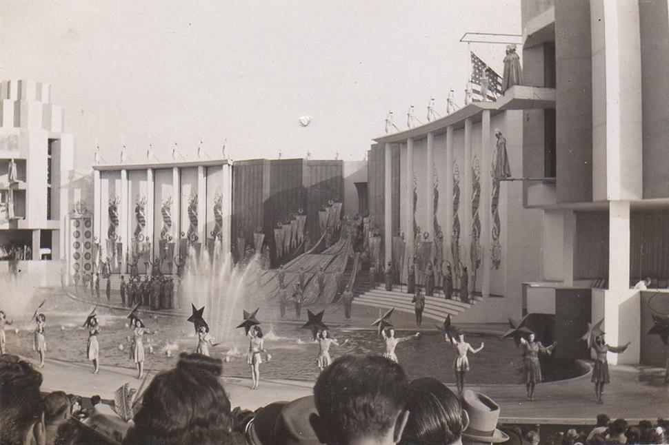 2-Billy-Rose-Aquacade-Worlds-Fair-1939