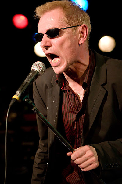 Robert Kane, vocalist of the British pub rock band Dr. Feelgood at music club Spirit of 66, Verviers, Belgium