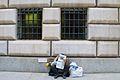 2009 newspaper reader NYC 3555354052.jpg