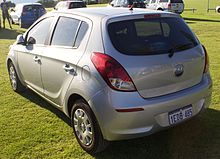 2013 Hyundai i20 (PB MY13) Active 5-door hatchback (2015-11-14) 02.jpg