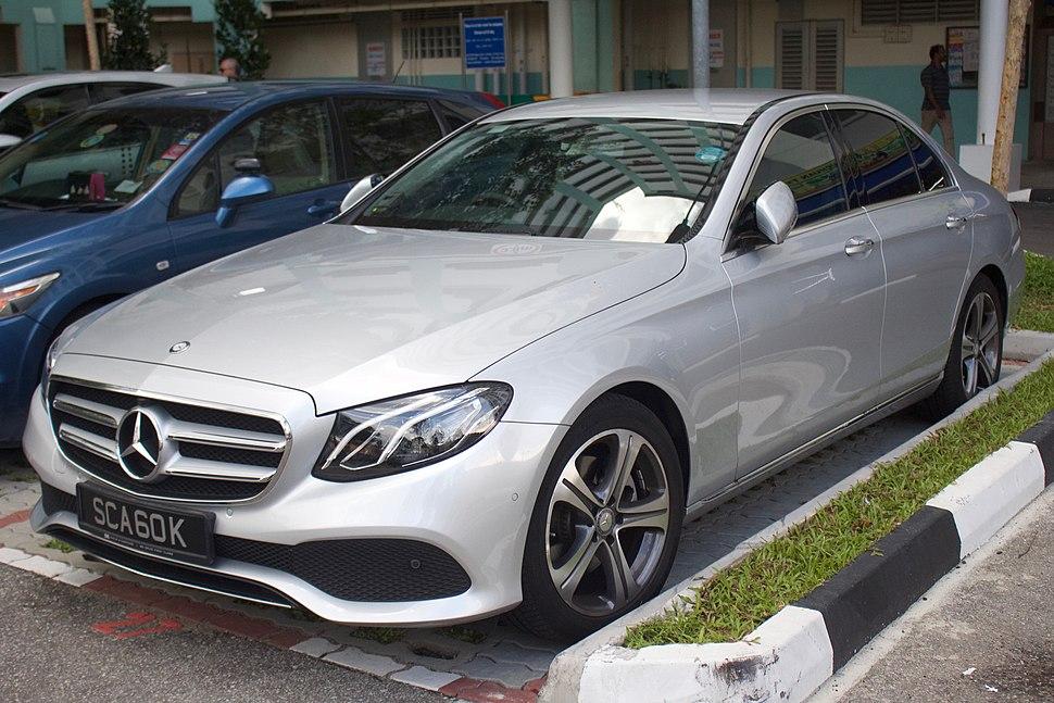 2017 Mercedes-Benz E 200 (W 213) sedan (2017-11-28) 01