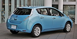 2017 Nissan Leaf rear.jpg