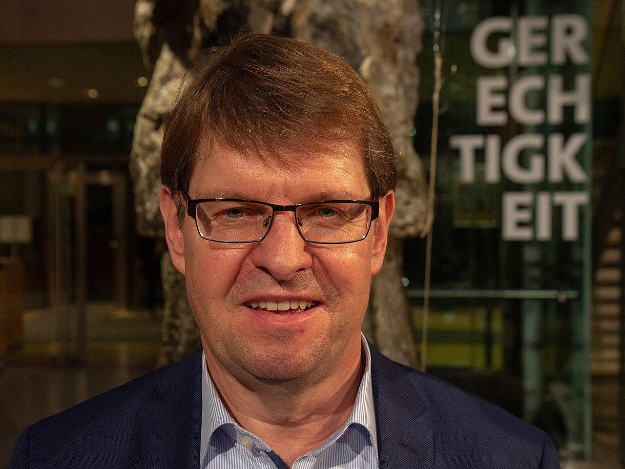 2018-12-09 SPD Europadelegiertenkonferenz Ralf Stegner 2831.jpg