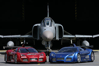 Apollo Automobil - The two Gumpert Apollo Prototypes with an F-4 Phantom II fighter jet