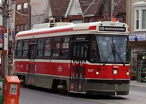 505 Dundas - A westbound 505 Dundas streetcar at the intersection of Dundas and Dufferin Street