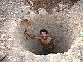 5 Making a pit (14783288971).jpg