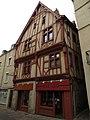 9 Grande-Rue - Laval 1.JPG