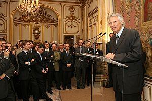 Dominique de Villepin - Villepin speaking at the Hôtel Matignon in 2006