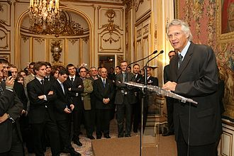 Dominique de Villepin - Villepin speaking at the Hôtel Matignon in 2006