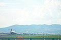 ANA B777-281(JA8199) depature & JAL DC-9-81(JA8294) landing @ITM RJOO (1464088168).jpg