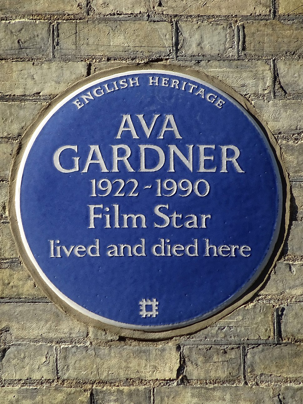 AVA GARDNER 1922-1990 Film Star lived and died here