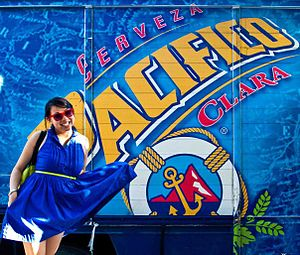 Pacífico (beer) - Image: Advertising campaign for Pacifico Clara