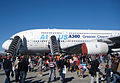 Airbus Family Days 2010 - Foule A380.jpg