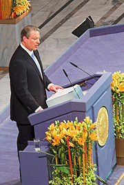 Al Gore receives the Nobel Peace Prize in the city hall of Oslo, December 10, 2007