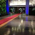Alfombra roja en entrada de Canal 13, debate primarias 2013.jpg