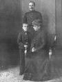 Alfonso XIII, madre e hijo por Franzen.png