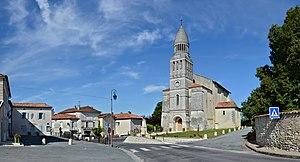Allemans 24 Église&centre 2013.jpg