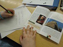 Participante à un atelier d'alphabétisation populaire.