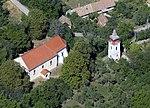 Alsópetény katolikus temploma, légi fotó.jpg