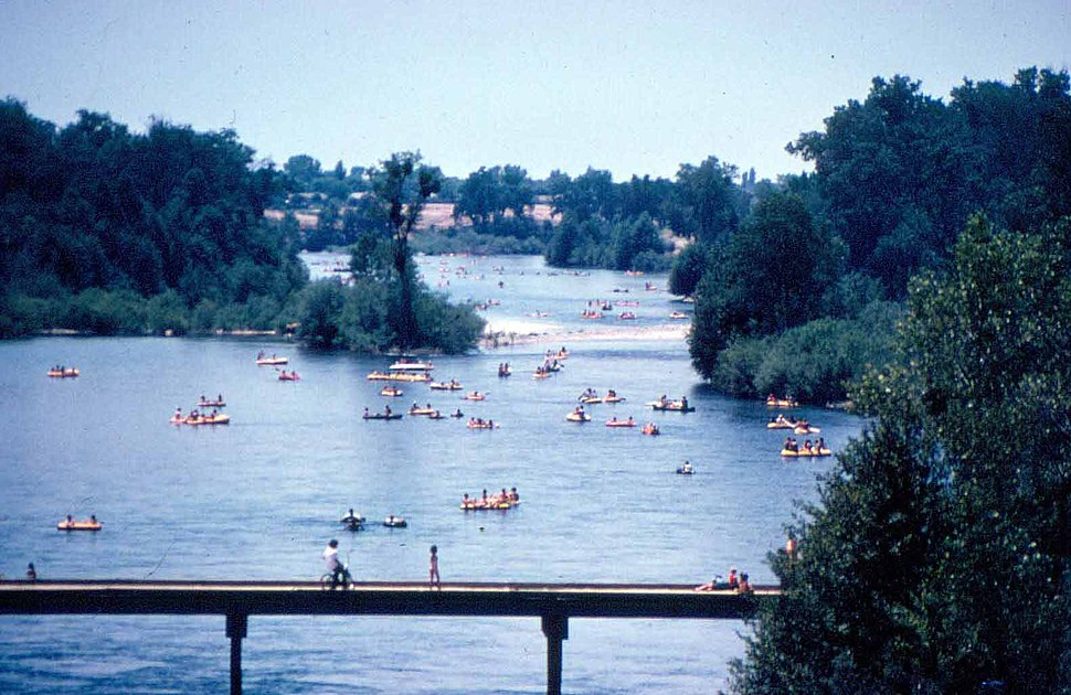 American River at Sunrise Park, June 1974 (26251615404)