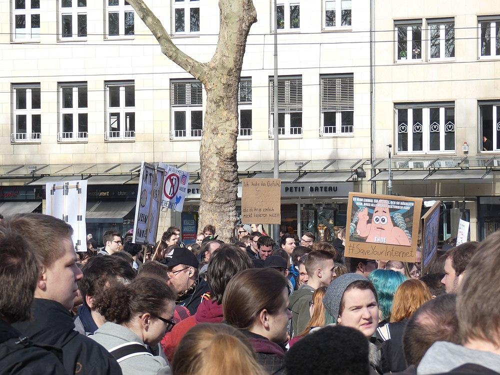 Artikel 13 Demonstration Köln 2019-02-23 003.jpg