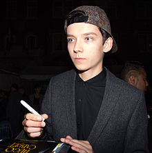 Asa Butterfield Wikipedia