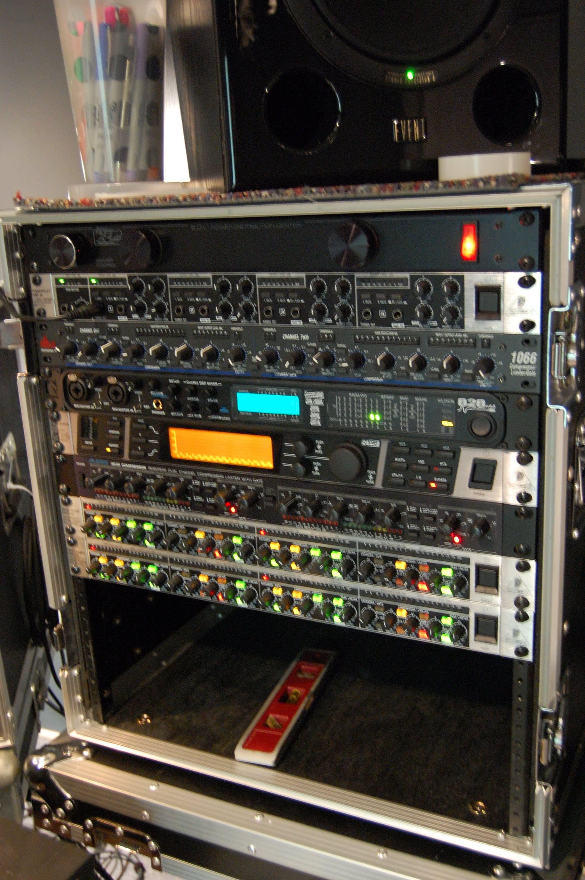 cases wheeled grr audio racks rack rolling case gator skb shock