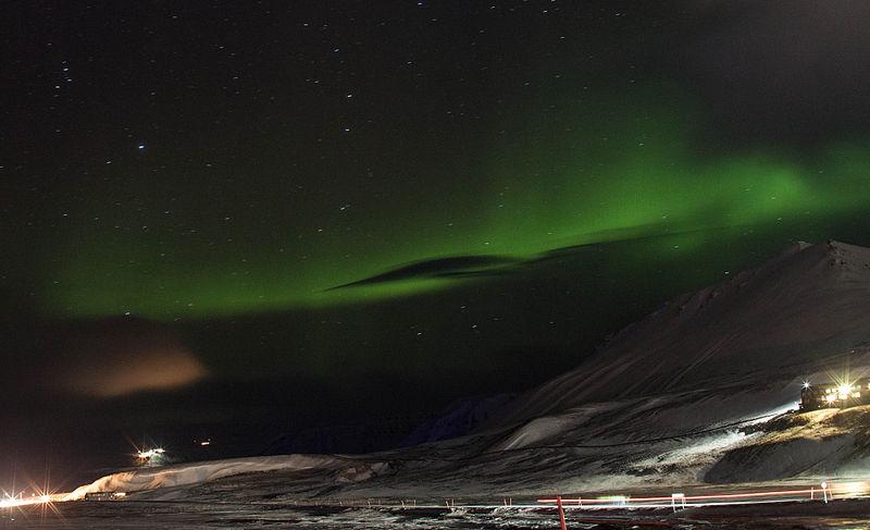 File:Aurora over Svalbard.jpg