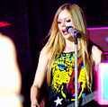 Avril Lavigne in London - 10.jpg