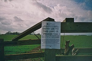 2001 United Kingdom foot-and-mouth outbreak -  A government notice on a quarantined Oxfordshire farm.