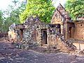 Banteay Srei - 016 Ruins (8581457249).jpg