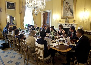 English: President Obama hosts a traditional S...
