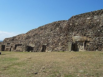 Barnenez - Front of the Barnenez cairn