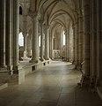 Basilique Sainte-Marie-Madeleine de Vézelay PM 46770.jpg