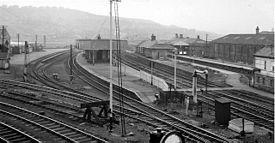 batley railway station wikipedia. Black Bedroom Furniture Sets. Home Design Ideas