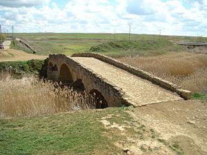 Becilla de Valderaduey - Image: Becilla de Valderaduey puente romano lou