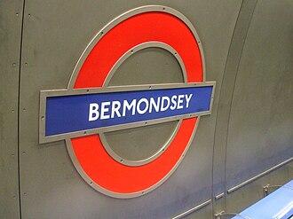 Bermondsey tube station - Image: Bermondsey station roundel