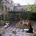Binnenplaats van een weeshuis voor Armeense kinderen - Stichting Nationaal Museum van Wereldculturen - TM-20036670.jpg
