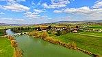 Brères, le village et son pont sur la Loue.jpg