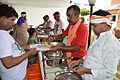 Breakfast Distribution - Rawatpura Sarkar Ashram - Chitrakoot - Satna 2014-07-05 6361.JPG