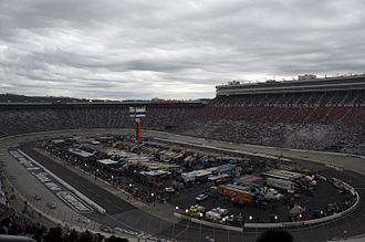 Oval track racing - Bristol Motor Speedway, a short oval