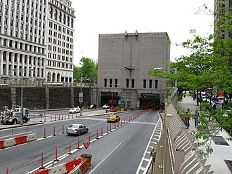 Brooklyn–Battery Tunnel - Manhattan portal
