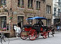 "Bruges, the restaurant ""Gruuthuse Hof"" with fiaker.jpg"