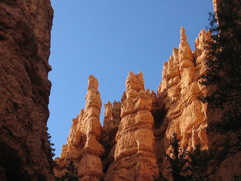 File:Bryce Canyon Hoodoos.jpg