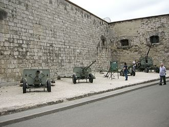 Citadella - Weapons next to the Citadella
