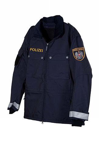 325px-Bundespolizei_AT_Einsatzjacke.jpg