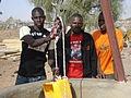 Bureau de l'AEERAG en visite à Ndoussoudji.JPG