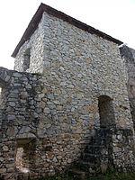 File:Burg Klingenstein, Wehrturm.jpg