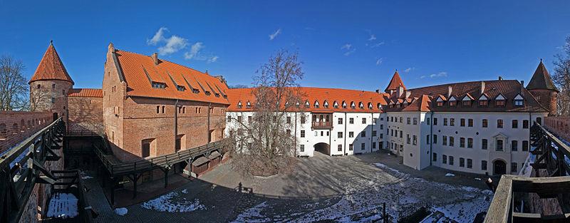 Panorama zamku krzyżackiego