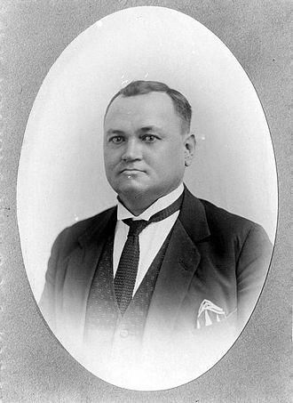 Volksraad (Dutch East Indies) - Image: COLLECTIE TROPENMUSEUM Dick de Hoog Volksraadslid en voorzitter van het I.E.V T Mnr 10001381